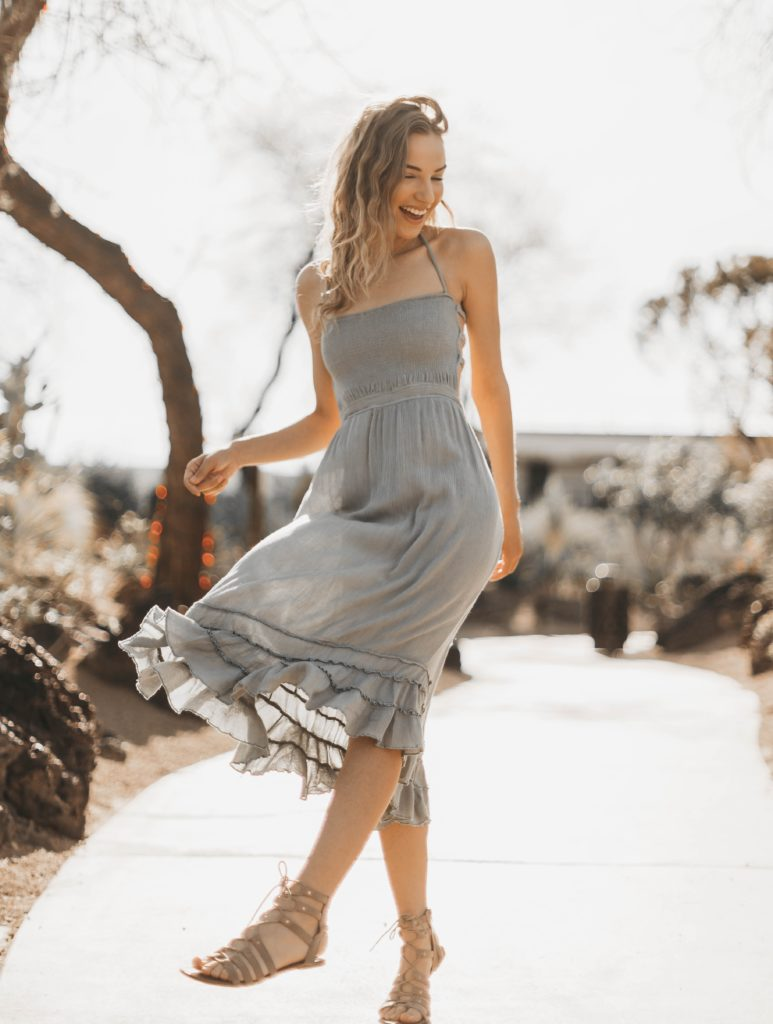 Outfit ideas for women: 12 amazing outfit ideas to look stylish. Try This amazing casual outfit ideas that are fashionable and will make you feel beautiful. Knee Length Frilled Dress