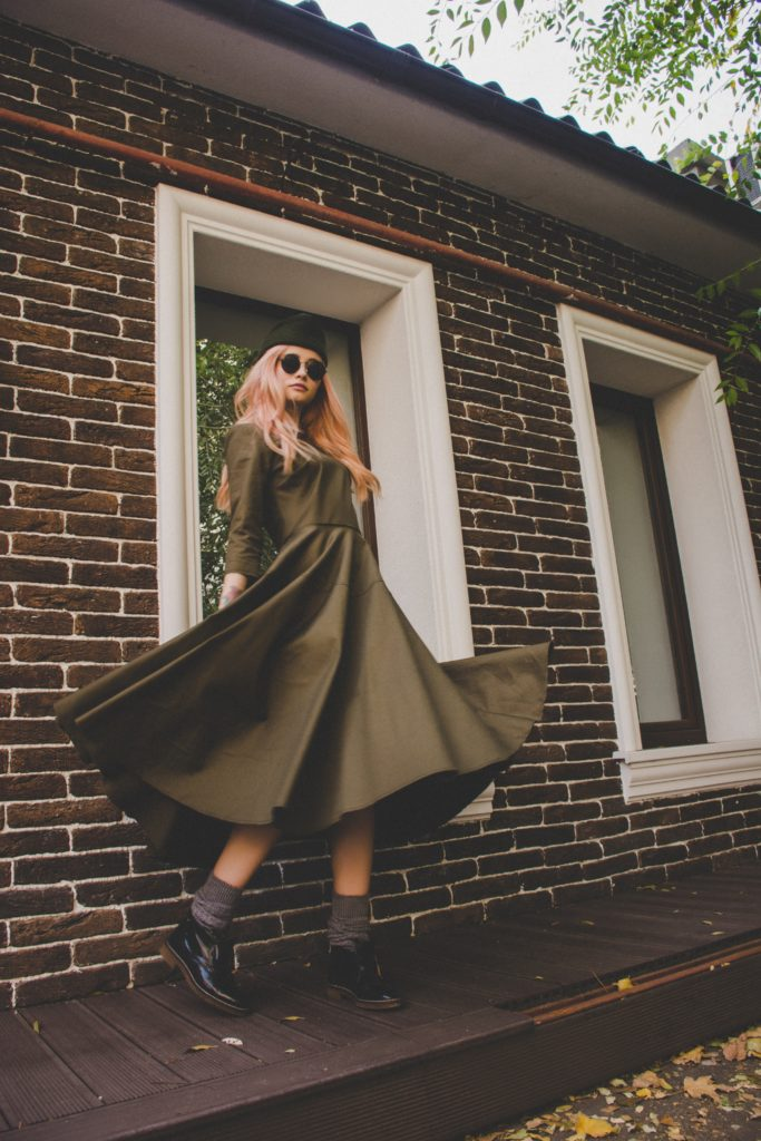 Outfit ideas for women: 12 amazing outfit ideas to look stylish. Try This amazing casual outfit ideas that are fashionable and will make you feel beautiful. Pinterest dress ideas, Olive Dress , olive gown